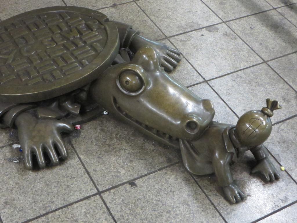 new york sewer alligator statue weirdest urban legends every state