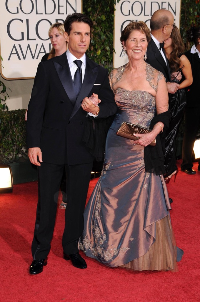 Tom Cruise with his mom on the red carpet.