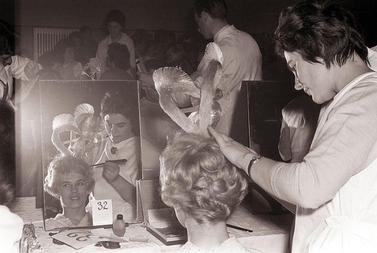 1960s hair style, hairspray, 1960s photos