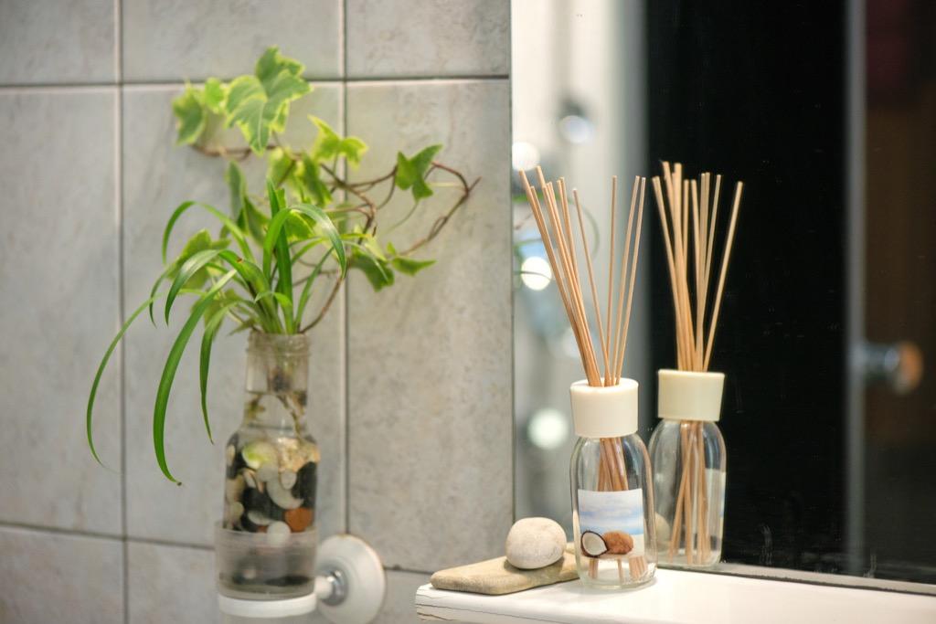 bathroom greenery 20 amazing ways to brighten up your home