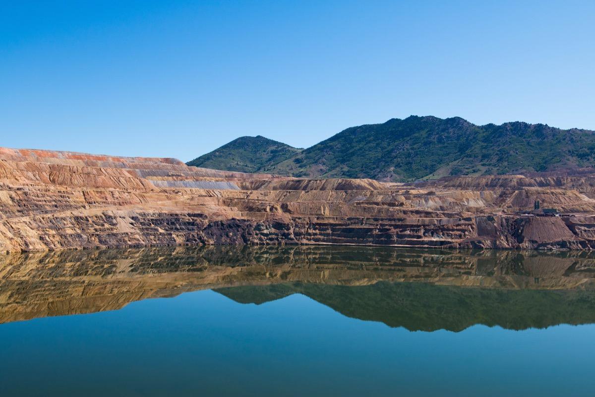 berkeley pit lake in montana, amazing facts