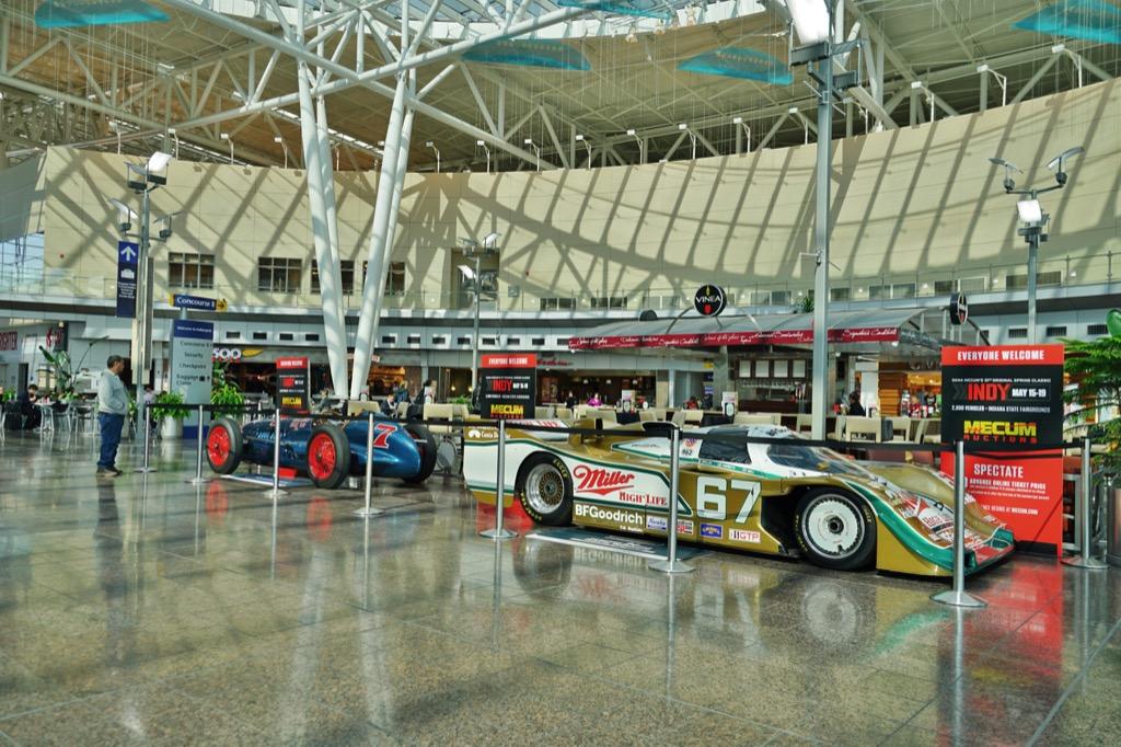 indianapolis international airport interior view