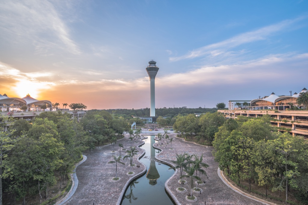 kuala lumpur international airport rainforest
