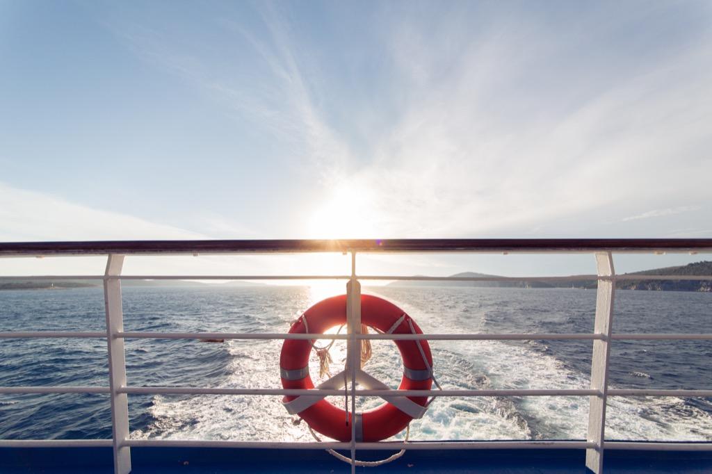 Cruise ship lifeboat