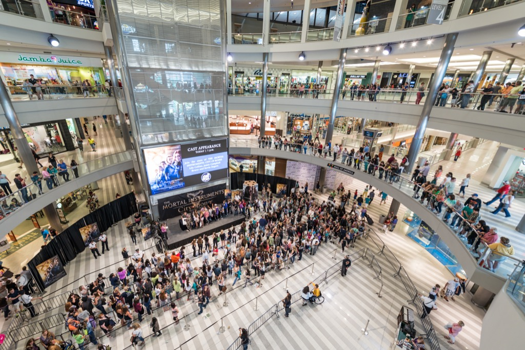 mall of america in minnesota is one of the worst american tourist traps