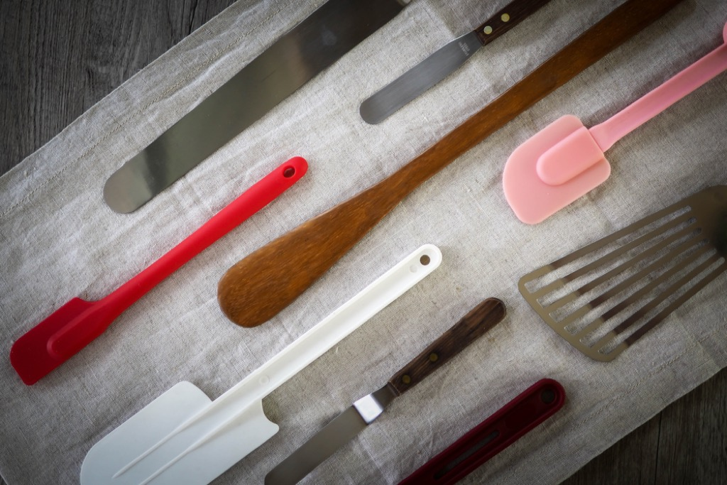 spatulas and kitchen utensils, easy home tips