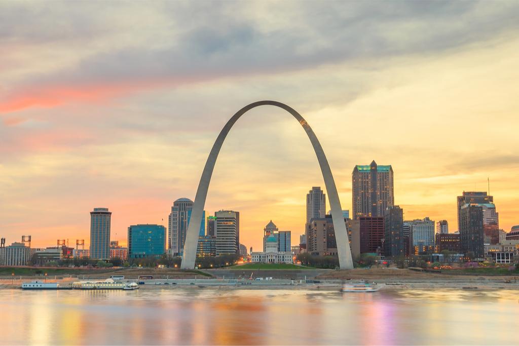 St. Louis Arch Tourist Traps That Locals Hate