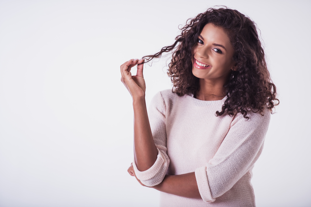 Woman Twirling Hair Body Language That Kills First Impressions
