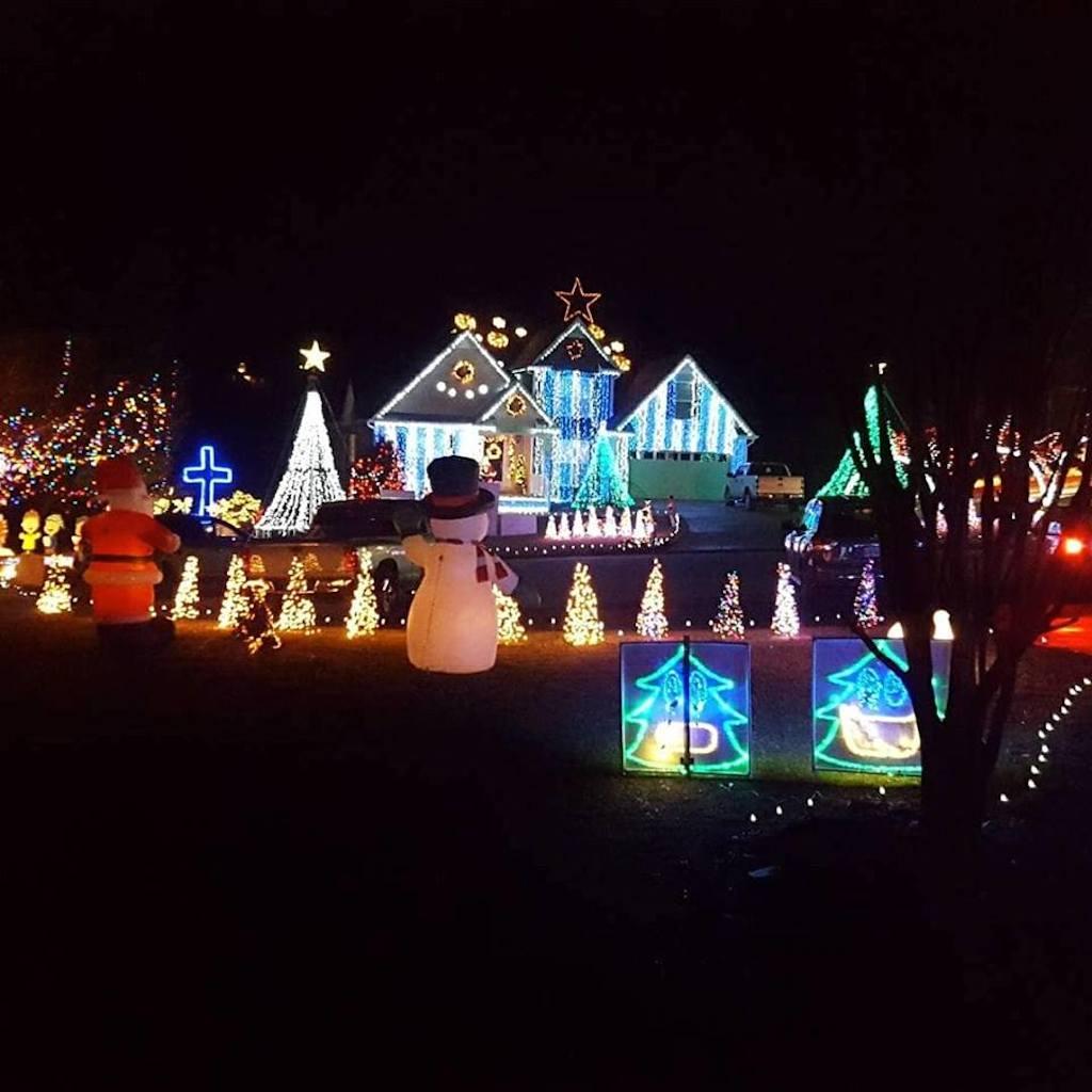 ohio town throws christmas parade for terminally ill boy