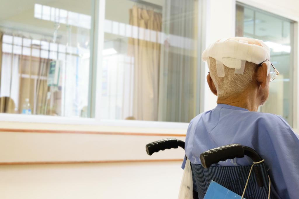 old man with a traumatic brain injury