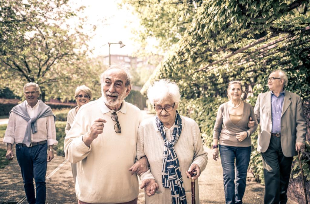 old people walking outside earliest signs of alzheimer's