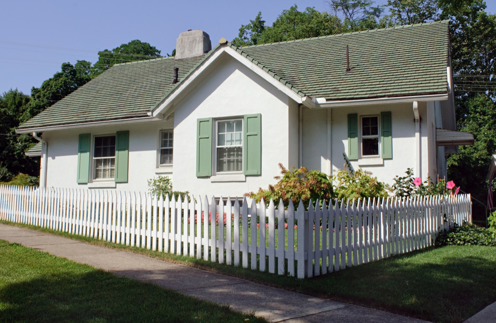 Fence in Front of Home Boosting Your Home's Curb Appeal