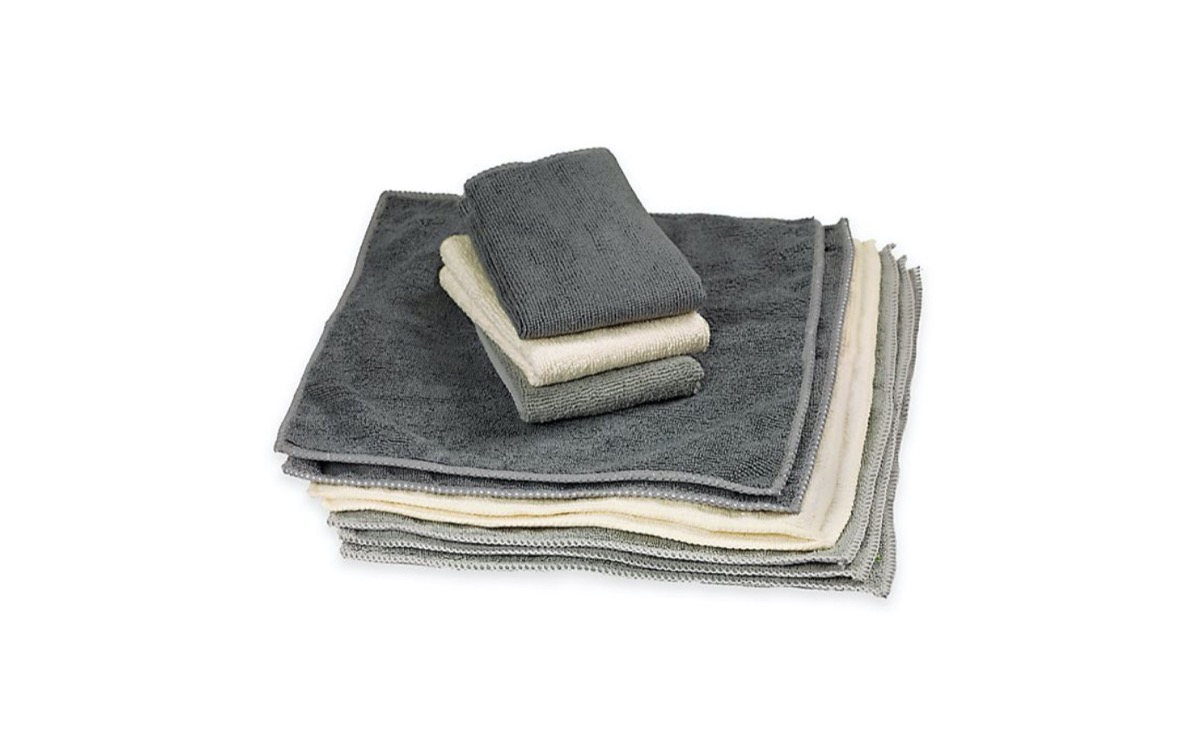 stack of microfiber cleaning cloths