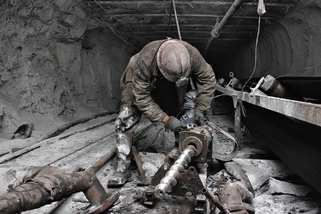 Miner working in the mines common cancer causes