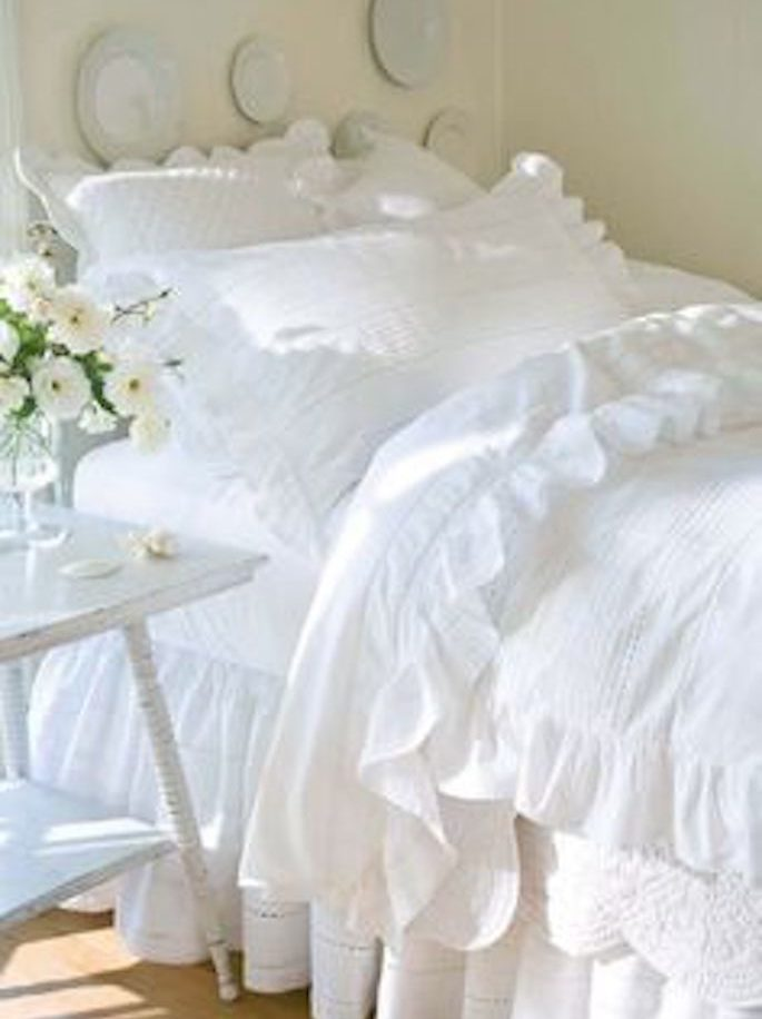 Overly Frilly Bedding 1990s Worst Home Decorating Trends