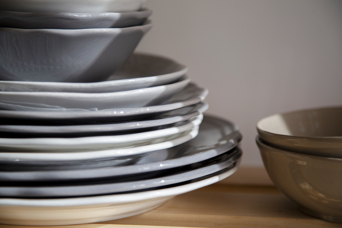 stack of dish plates