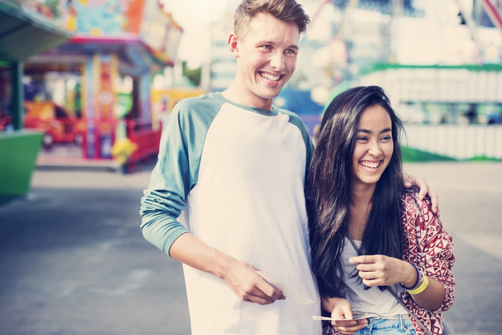 teenage boyfriend and girlfriend