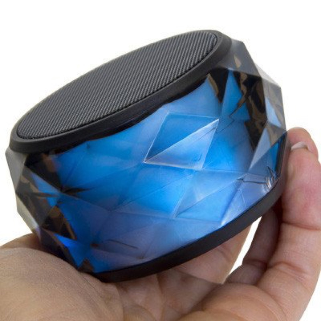 Bluetooth speaker changes colors