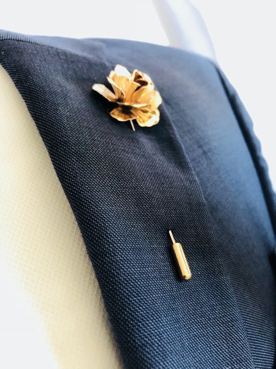 gold flower lapel pin