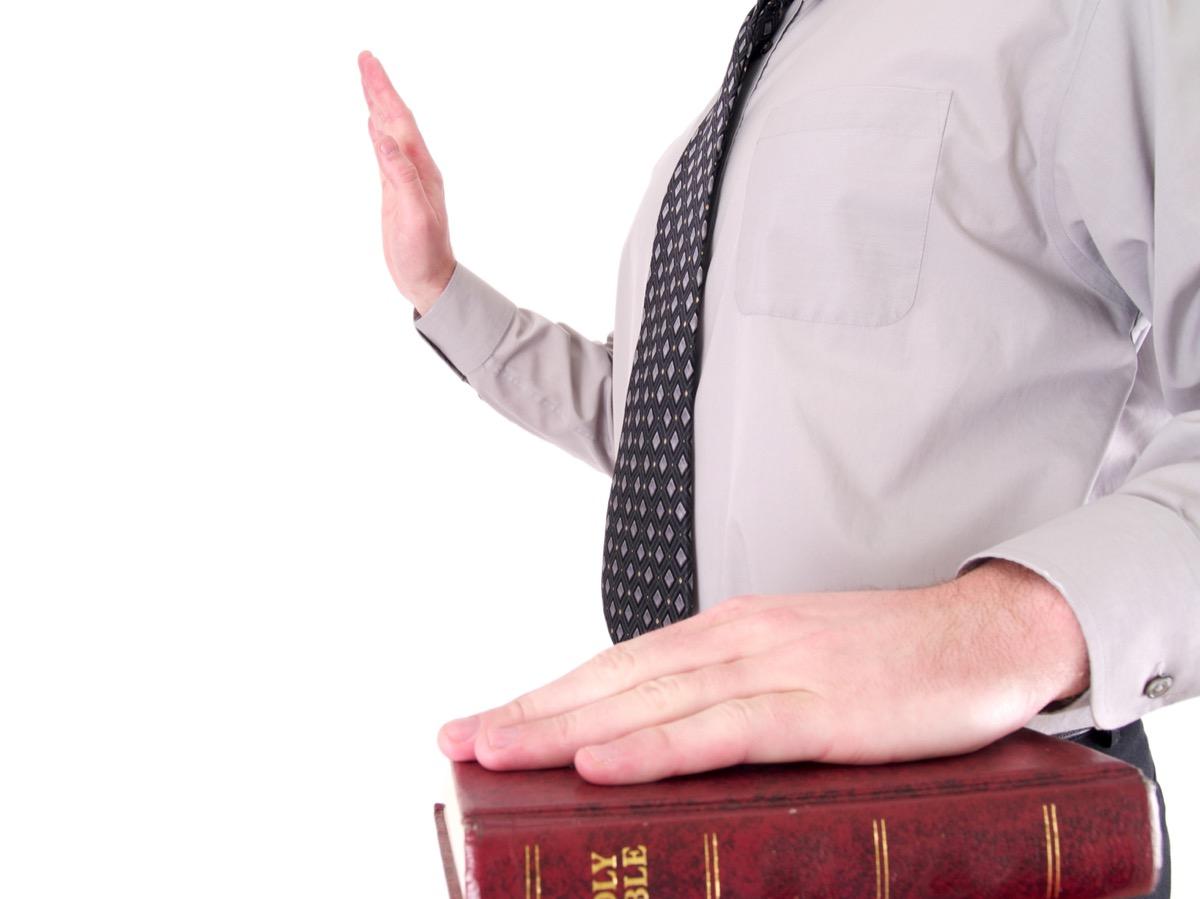 Man is Swearing Under Oath {Body Language}