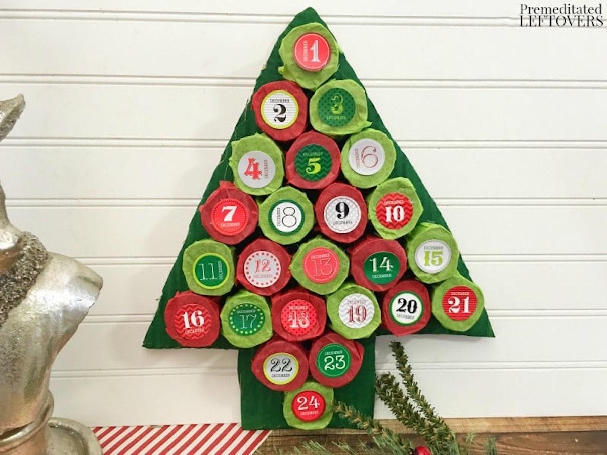 Christmas Tree Advent Calendar {Christmas Tree Alternatives}