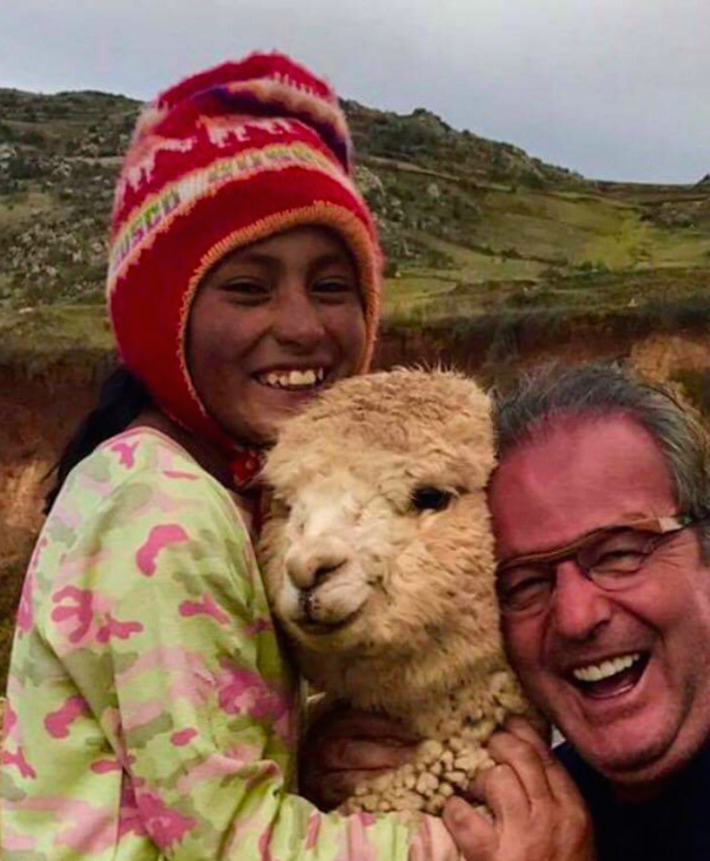 dad alpaca selfie