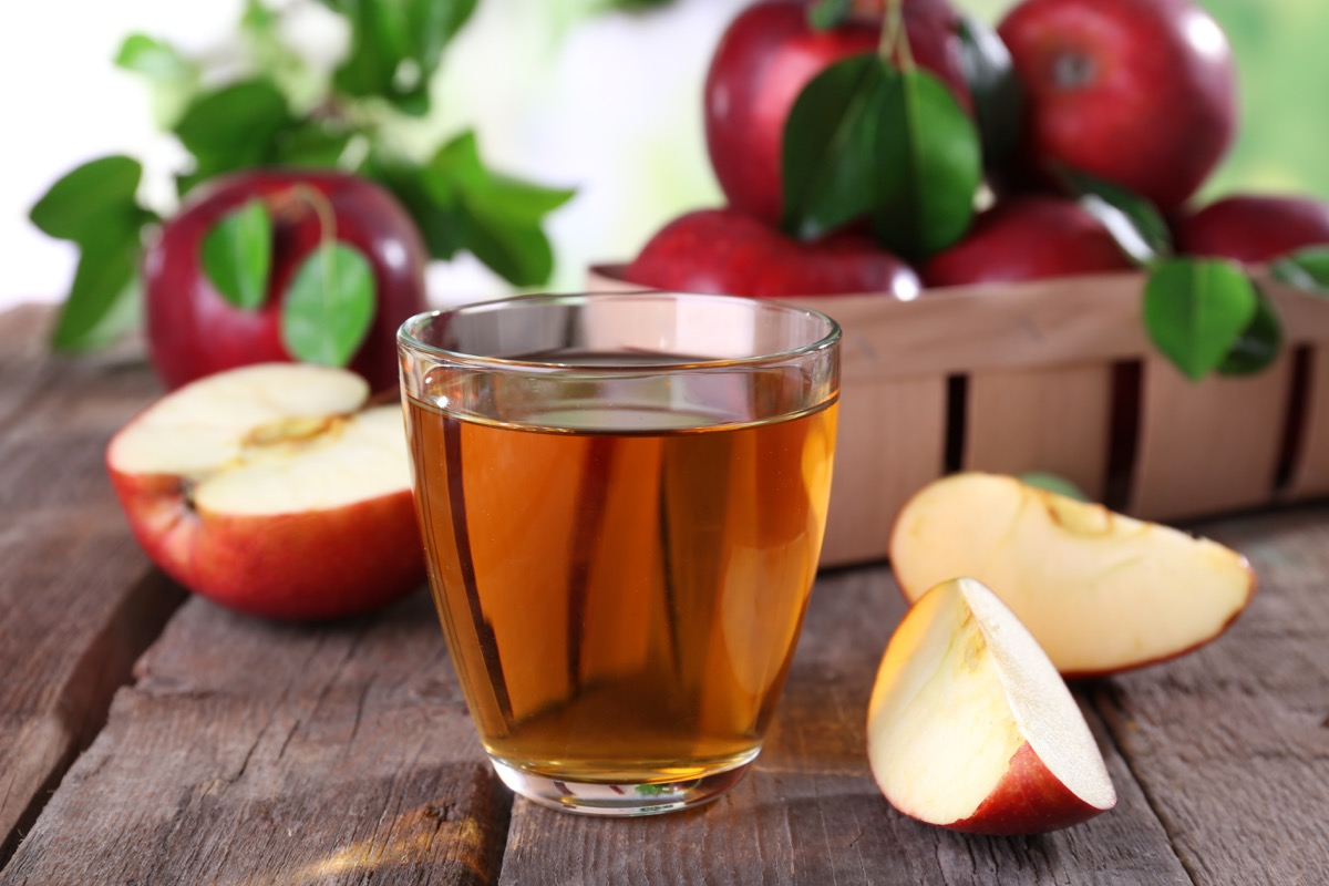 apple juice surrounded by apples habits linked to a longer life