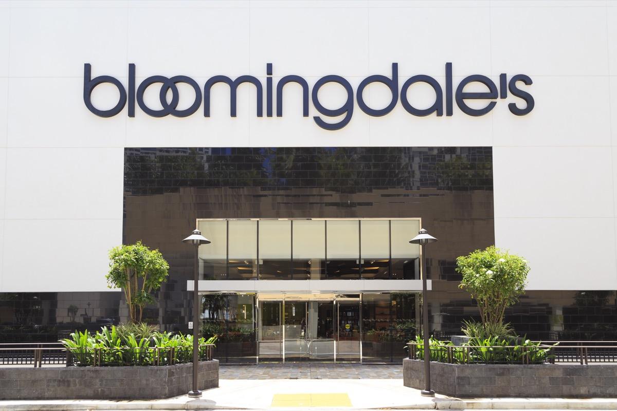 Bloomingdales Storefront {Return Policies}