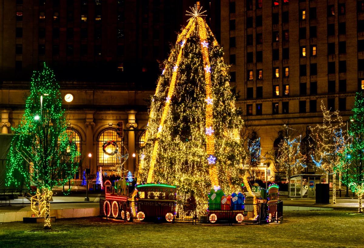 Cleveland Ohio State Christmas Tree