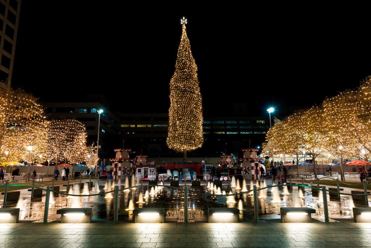 Crown Center Kansas State Christmas Tree