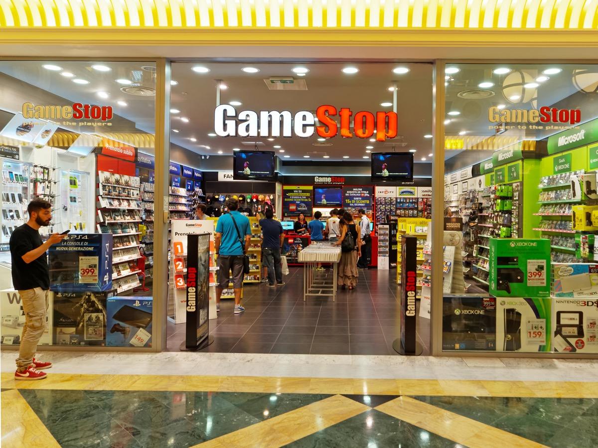 GameStop store {Return Policies}