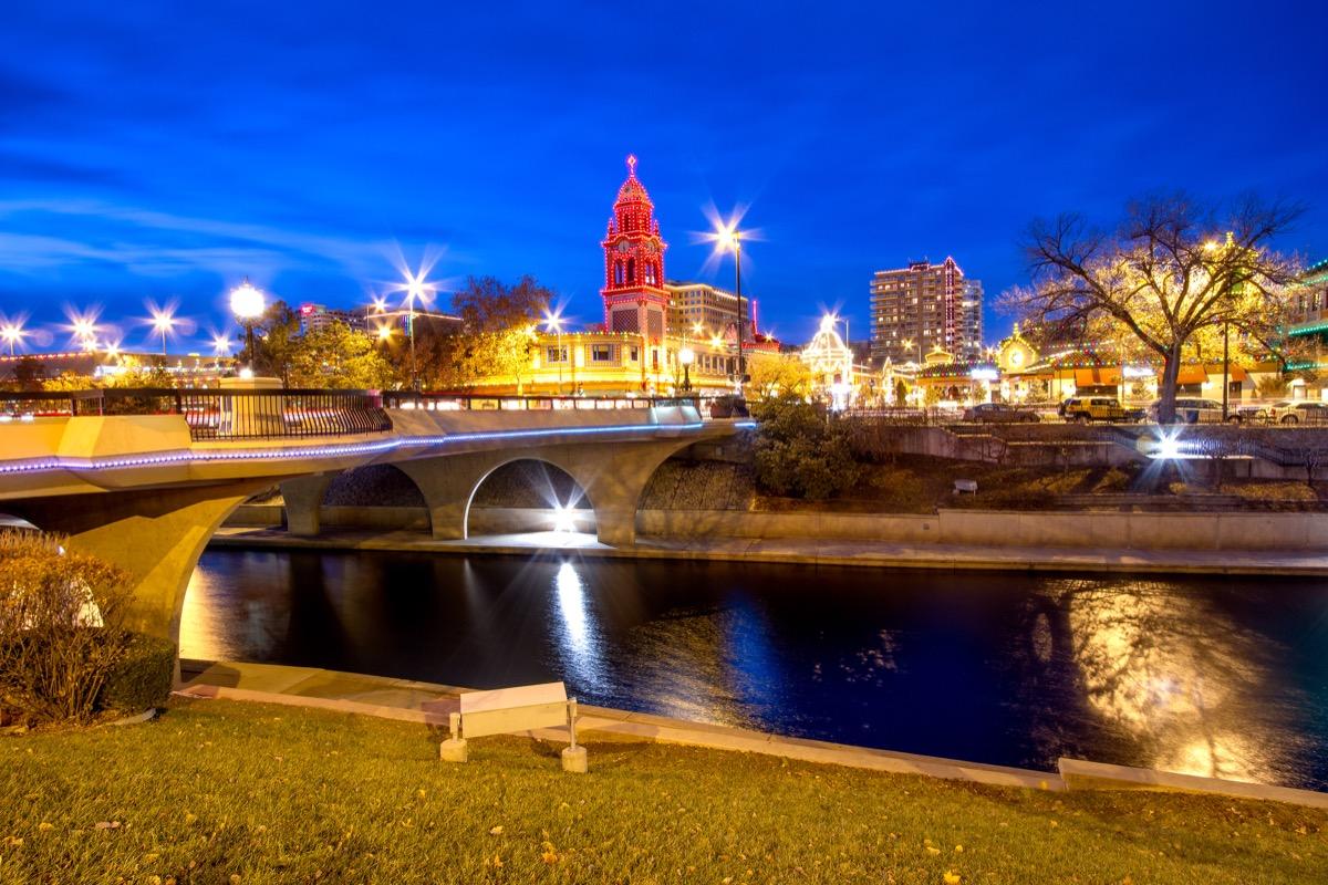 kansas city country club plaza at christmas