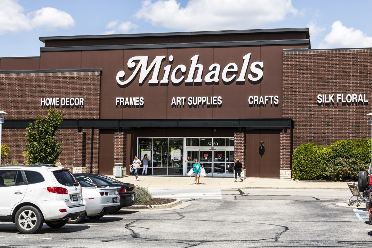 Michaels Storefront {Discount Shopping}