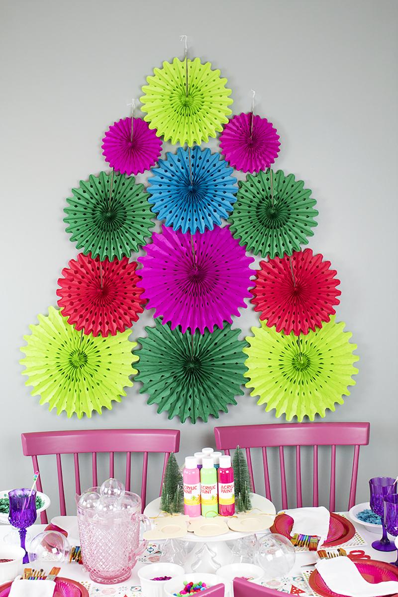 Paper Fan Christmas Tree {Christmas Tree Alternatives}