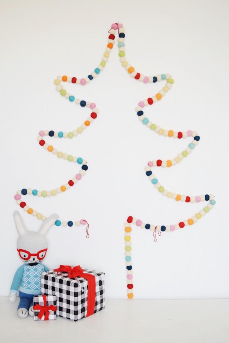 Pom Pom Garland Tree {Christmas Tree Alternatives}