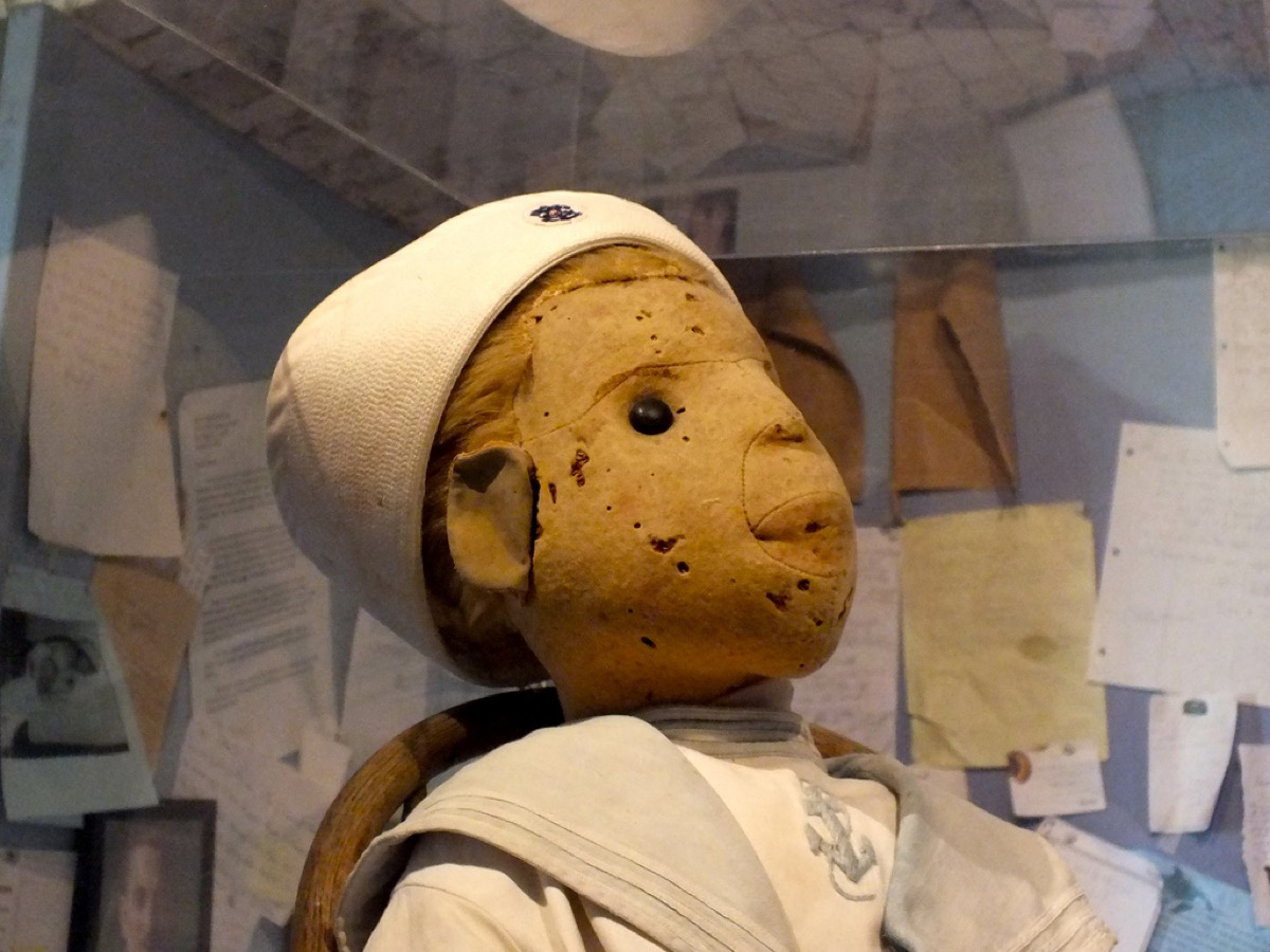 Robert the Doll {Scary Urban Legends}