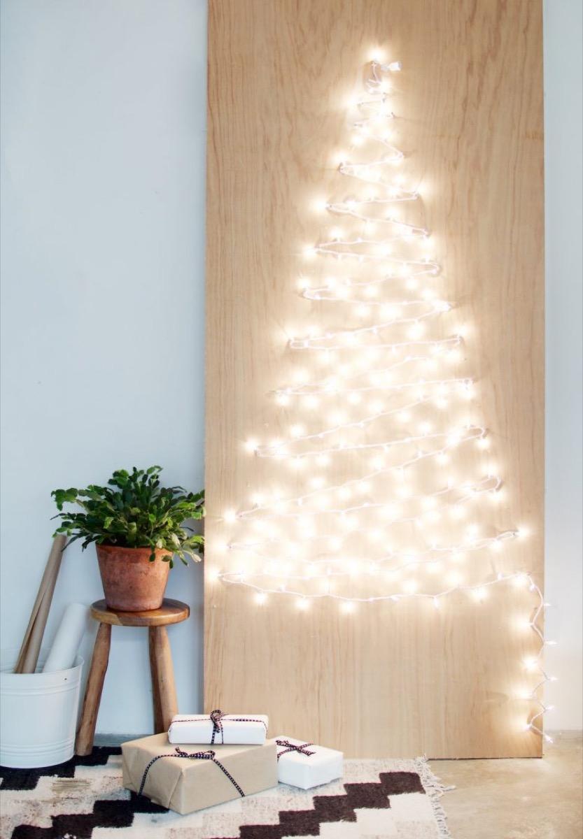 String Light Christmas Tree DIY {Christmas Tree Alternatives}