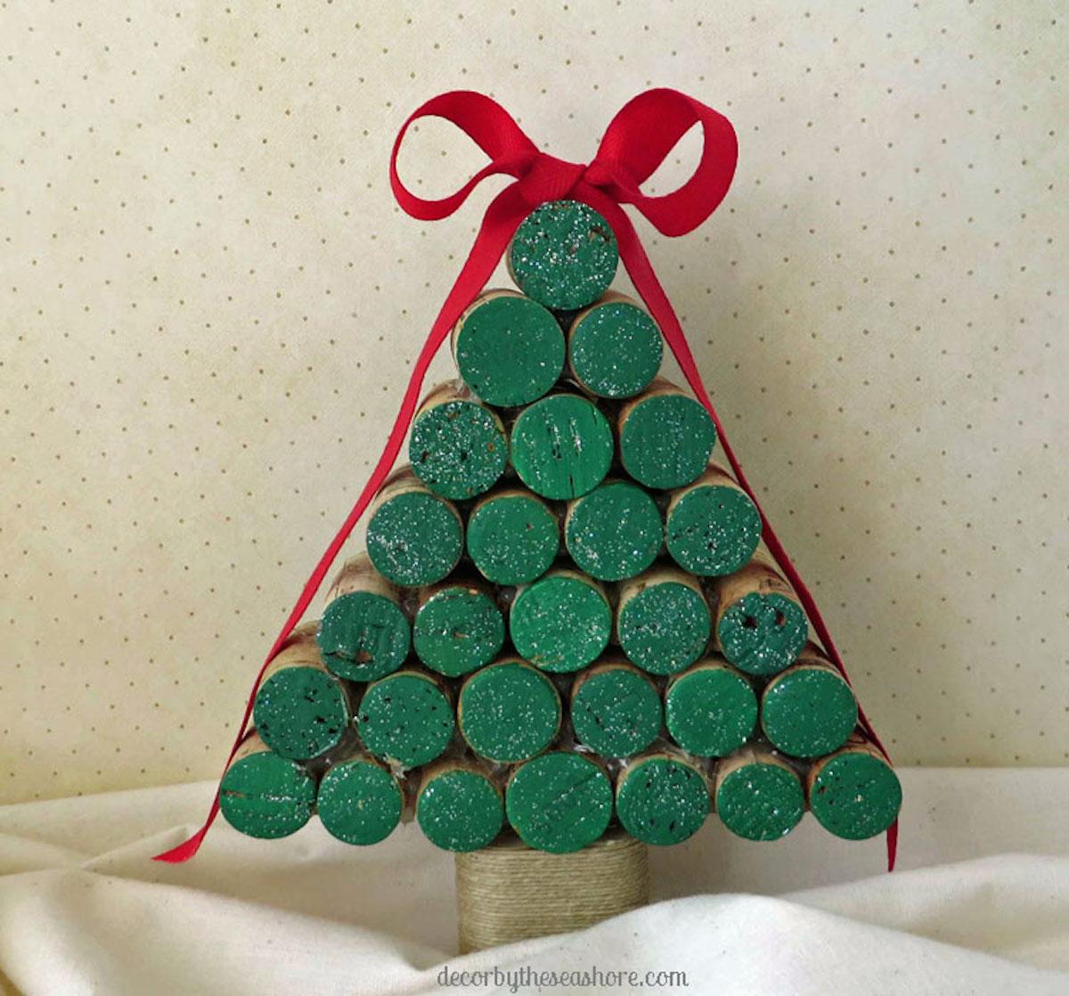 Wine Cork Christmas Tree {Christmas Tree Alternatives}