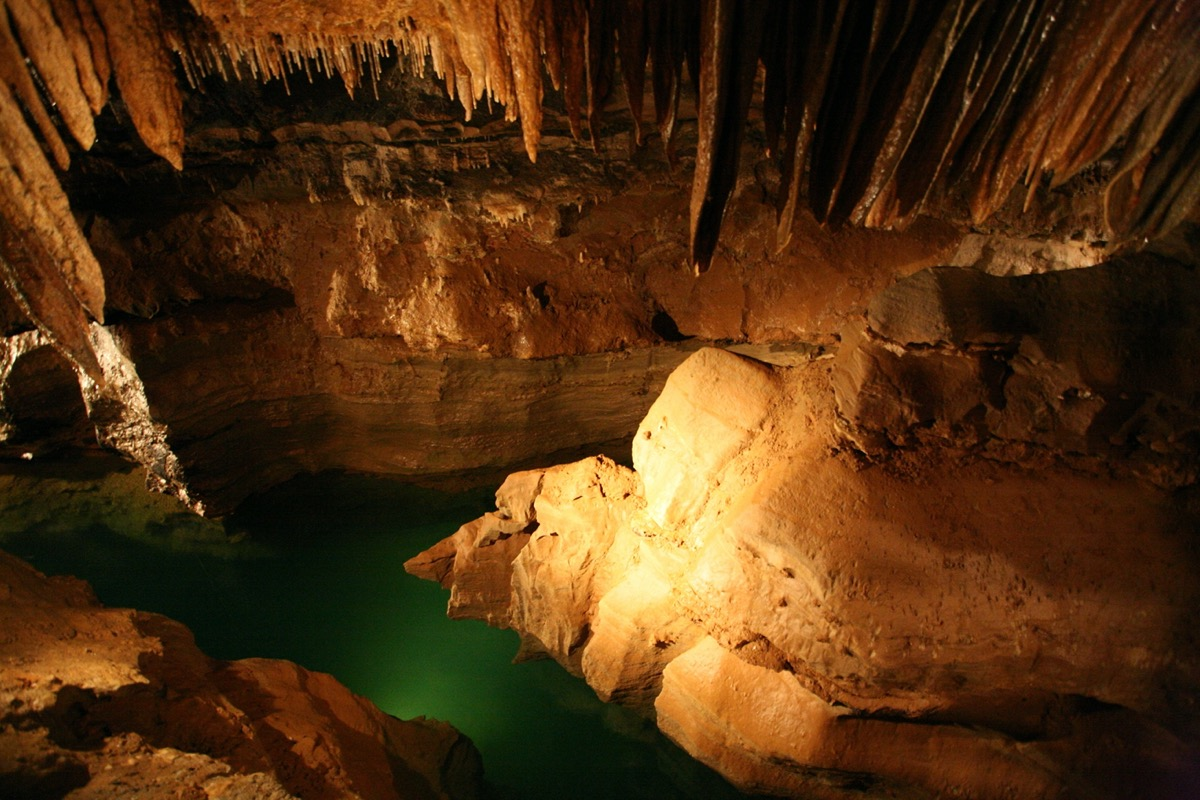 cosmic cavern bottomless lake