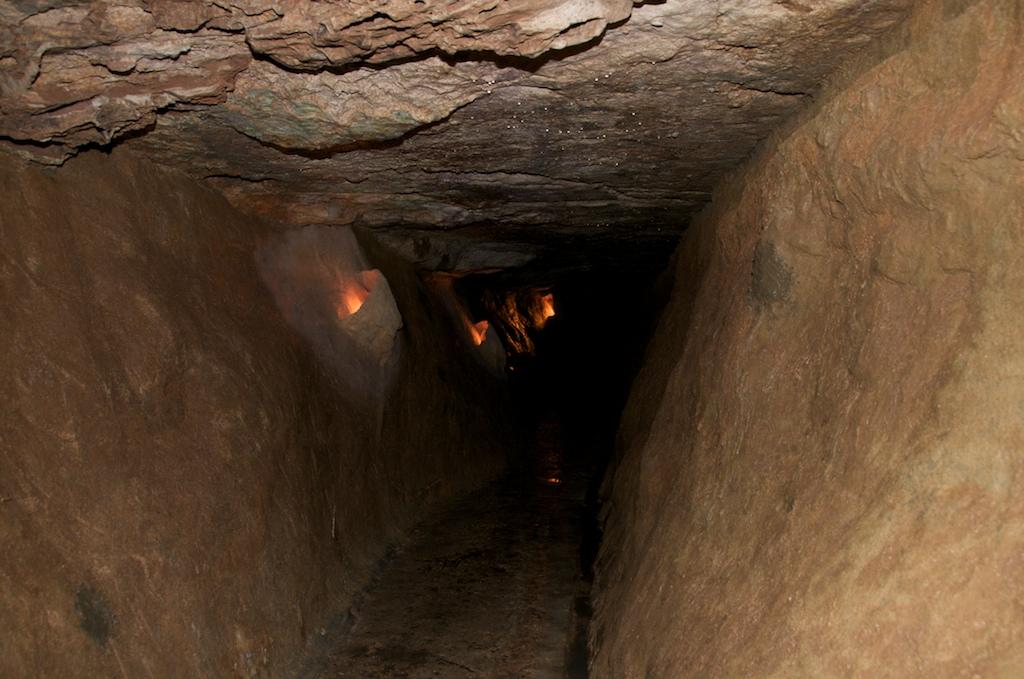 inside passageway of marvel cave in Missouri