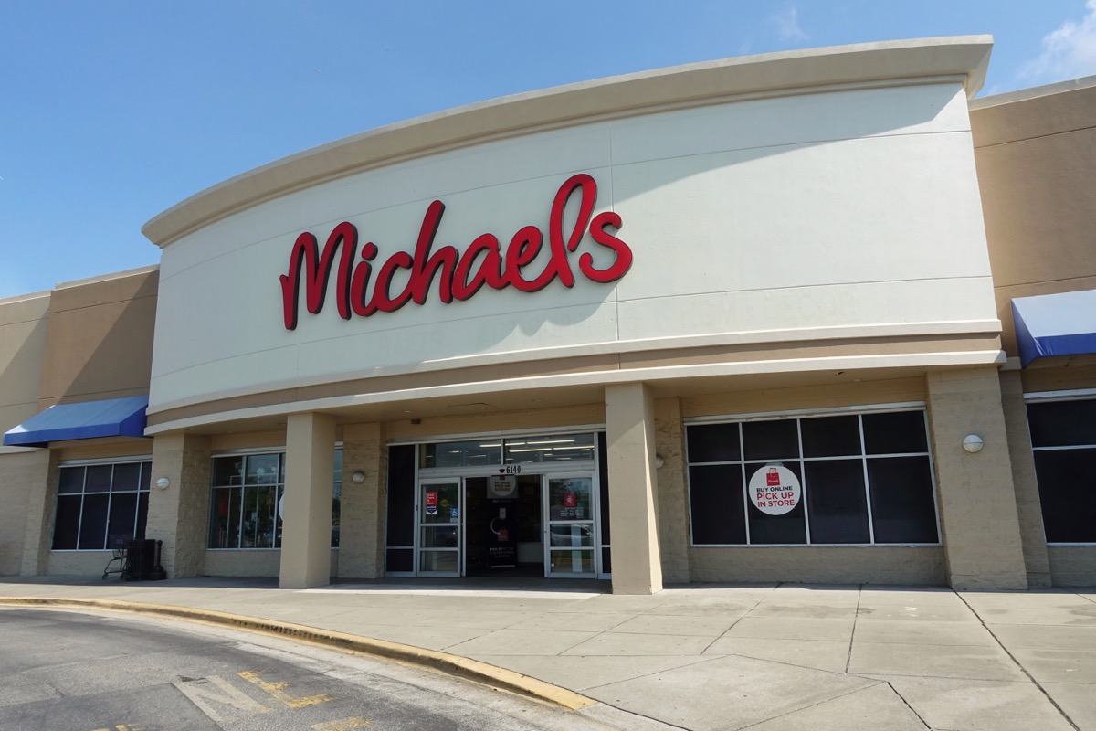 micheal's store entrance