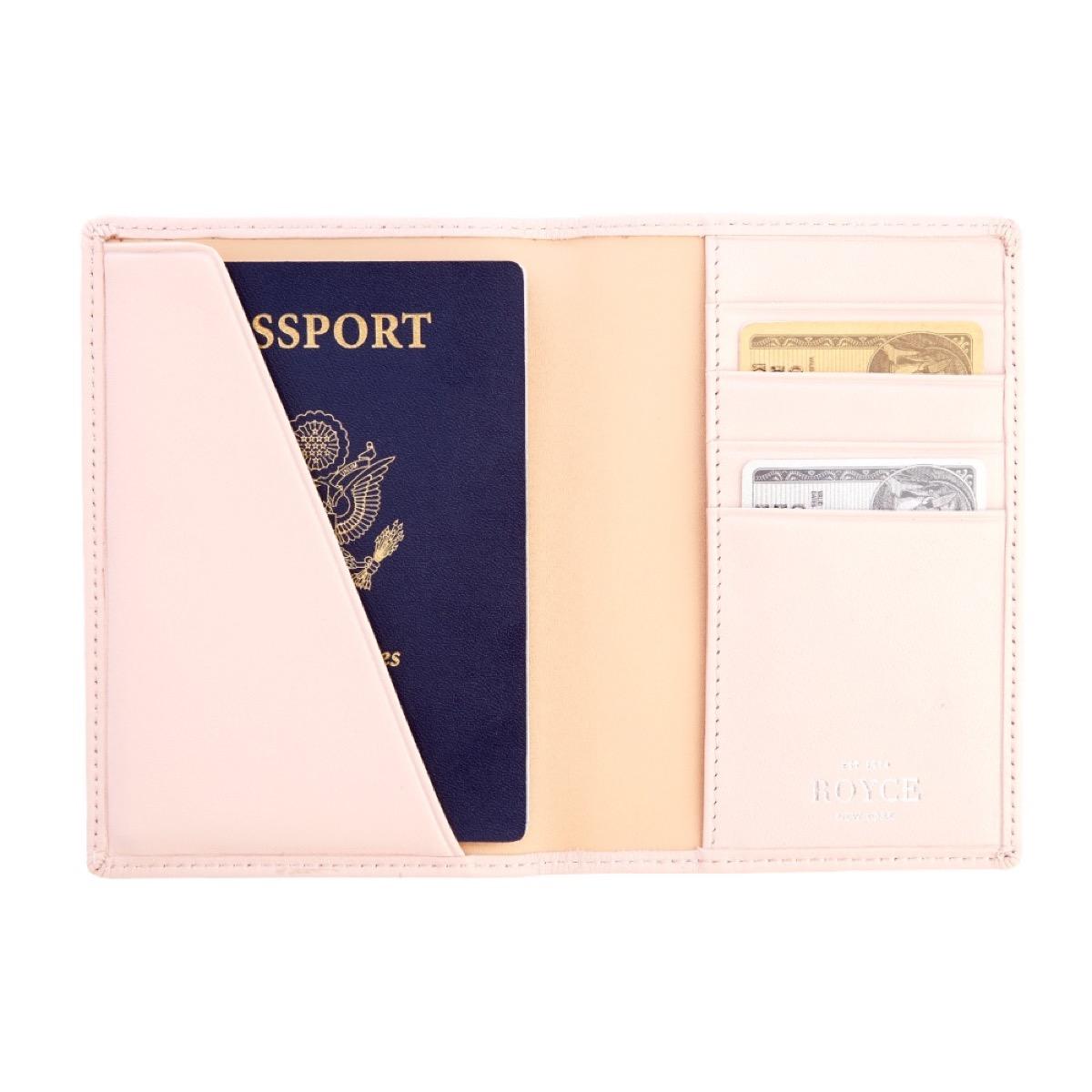 Passport Holder {Best Last-Minute Gifts}