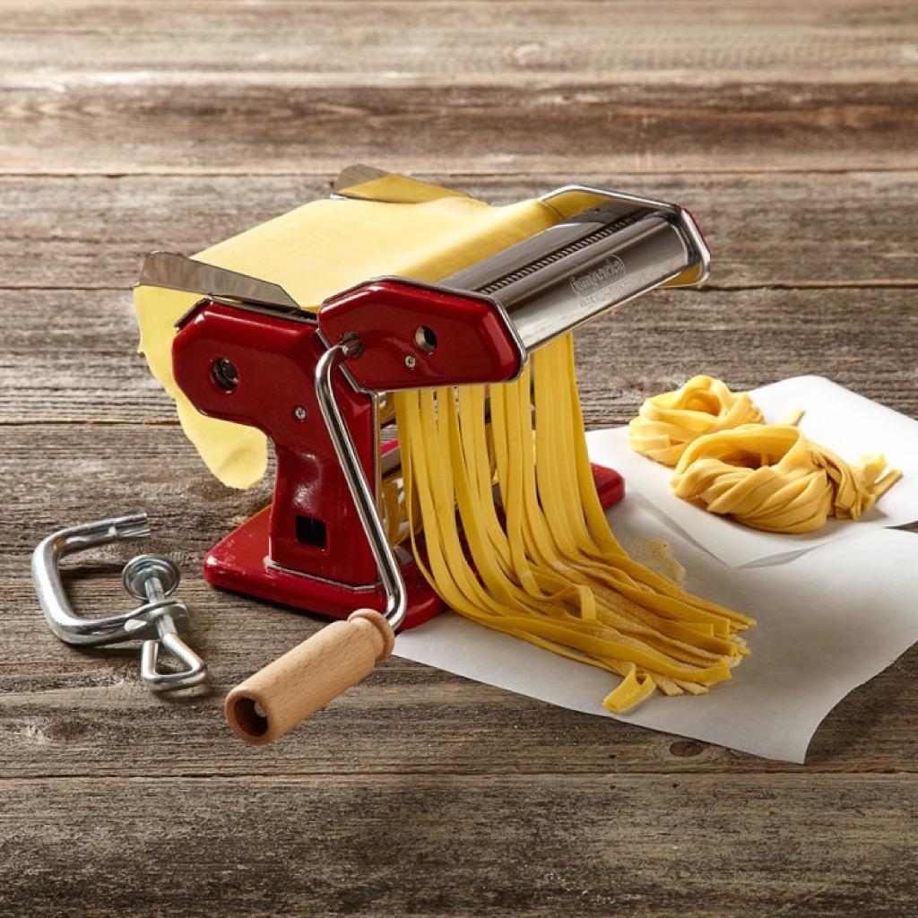 Homemade Pasta Maker {Christmas Gift Ideas}