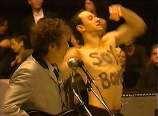 bob dylan performing alongside soy bomb dancer at the grammys