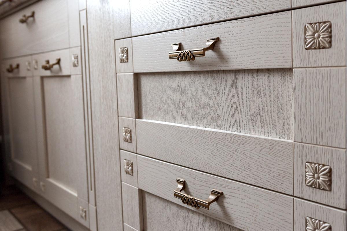 Kitchen cabinet retro handles