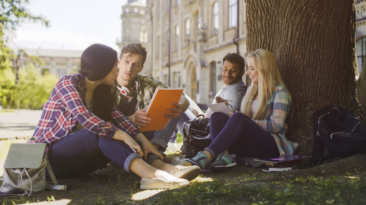 kids studying ways college is different