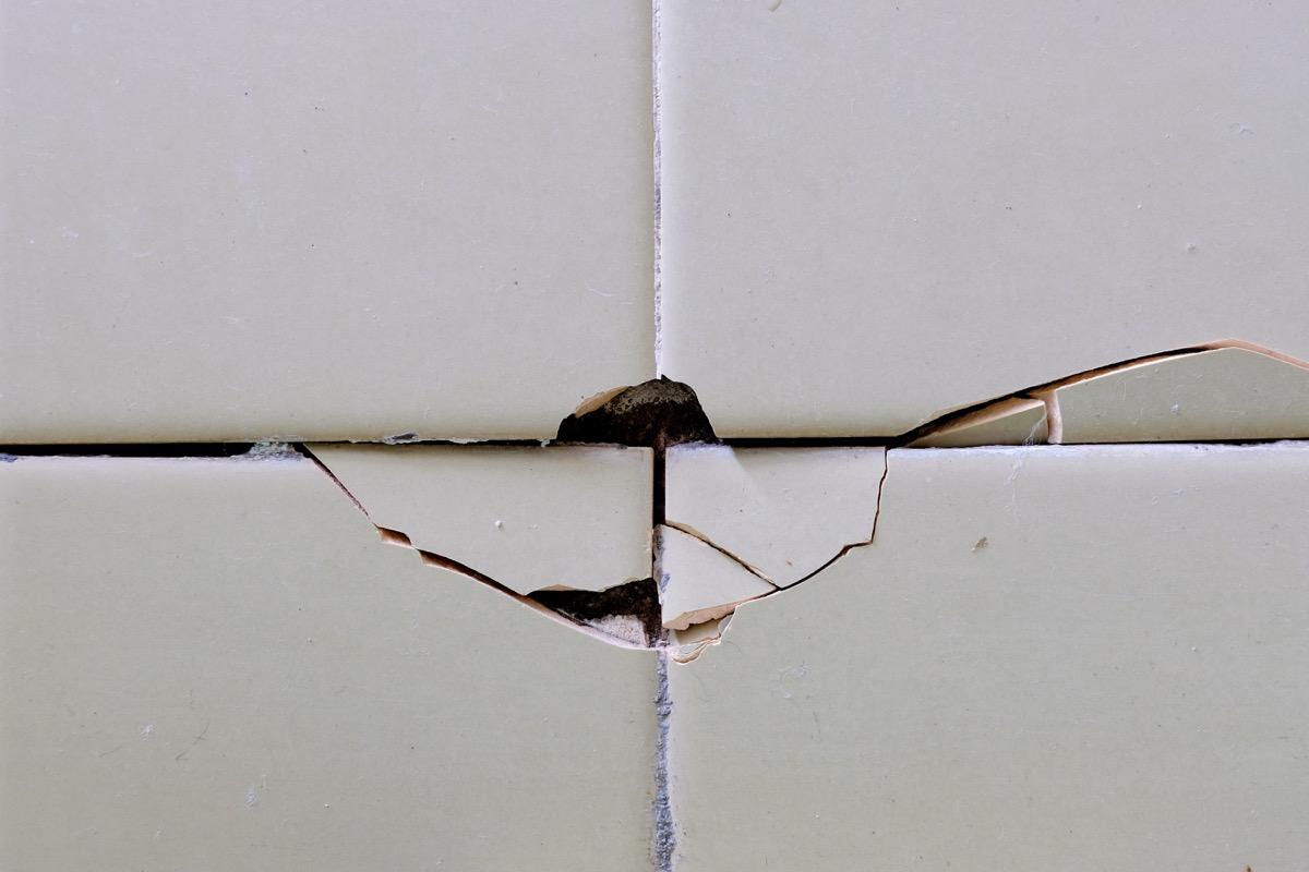 cracked bathroom tile