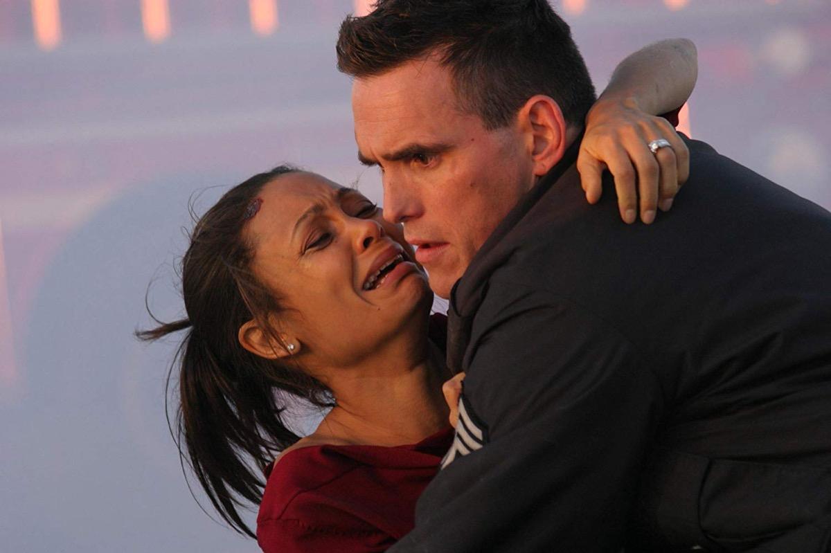 Screenshot of Matt Dillon and Thandie Newton in the movie Crash (2004)