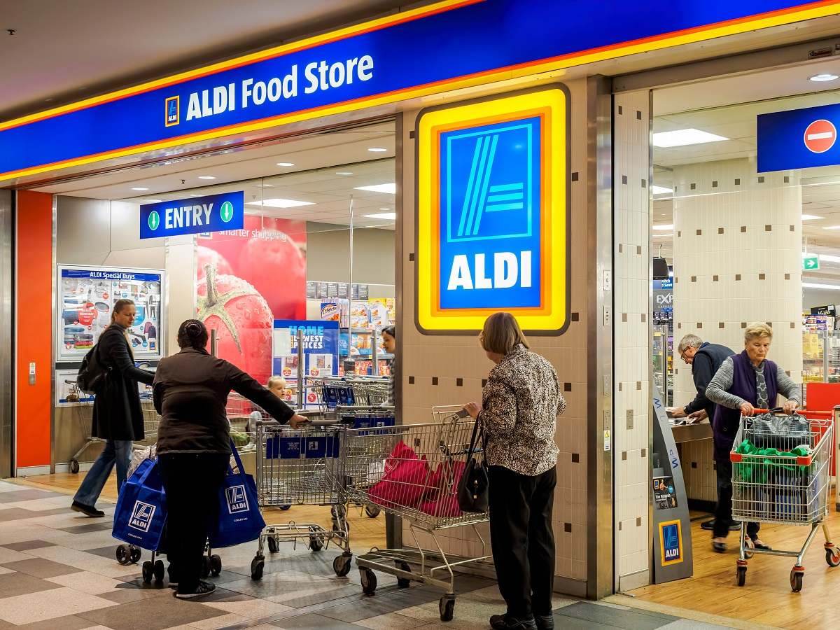 Customers at Aldi Shopping Secrets