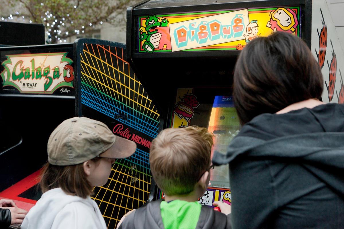 Dig Dug arcade video game